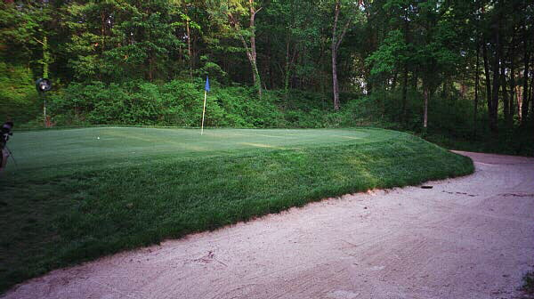 The back of the 8th green at Quail Crossing is a mere nine paces wide.