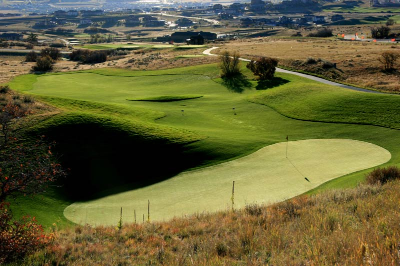 The Bowl 5th green at Pradera.