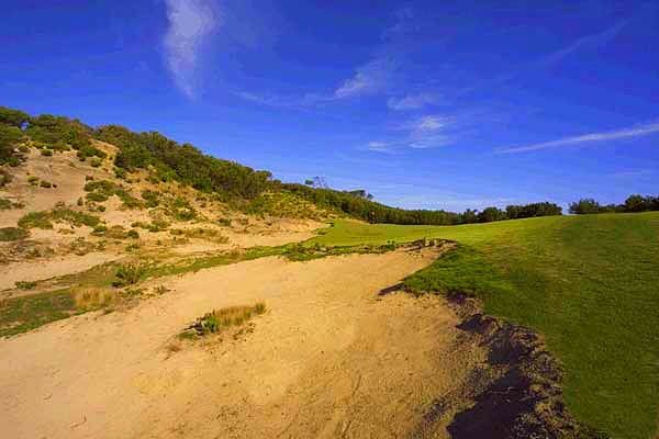 The glorious second Hole - 279 metres of utter temptation.