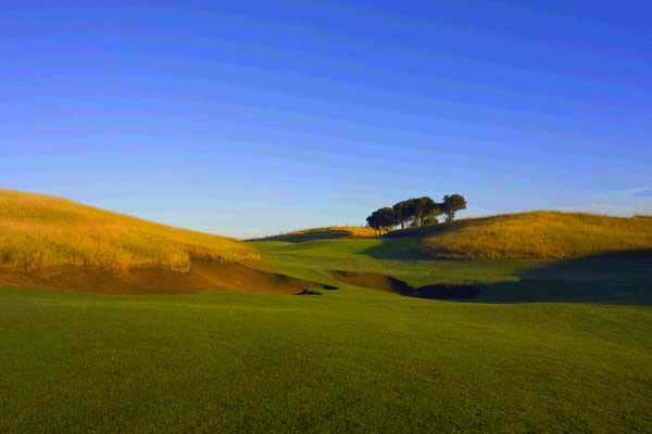 "The ninth hole - golf land this good is rare in Melbourne "" and most other places in the world."