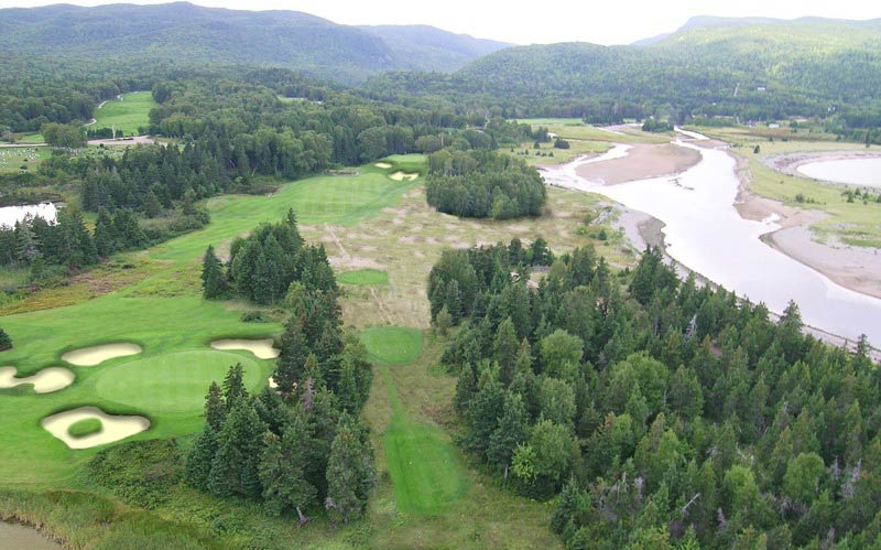 An aerial view of the fourth at Cape Breton shows how Andrew would remove trees down the right and bring back the dune bunkering between the tee and fairway.