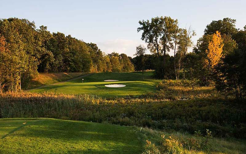 The par three eighth at Ravenwood captured in October with its autumnal colours.