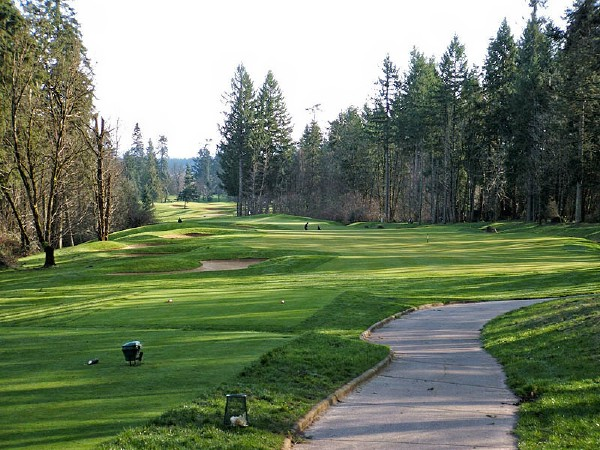 The sixth tee shot must be threaded between Ghost Creek and a smattering of bunkers.