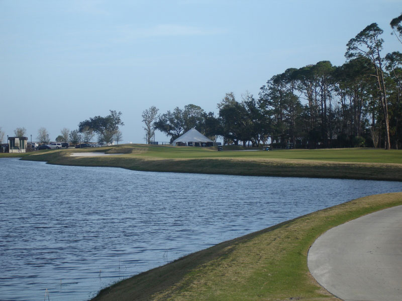 Cape tee shot at seventeen