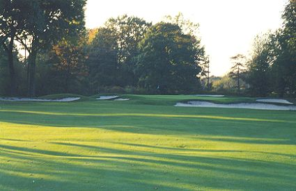 One of Rosss best greens anywhere - the sixteenth at Essex.