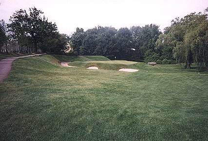 Hole 3 at Wannamoisett - a perfectly conceived green complex