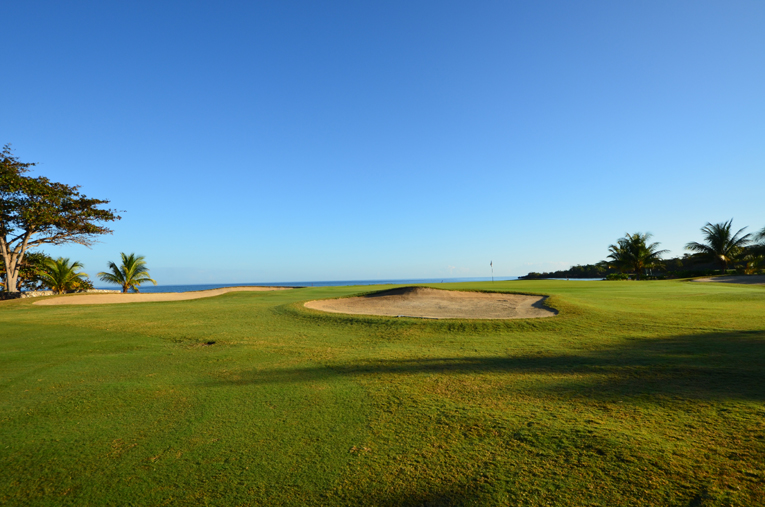 The third green is flush against the Caribbean Sea and is much wider than it is deep. At only 20 yards in depth, the green can be hard to hold with a long approach shot.
