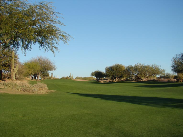 ... and avoid the desert floor to the left to enjoy the best angle into the uphill green.