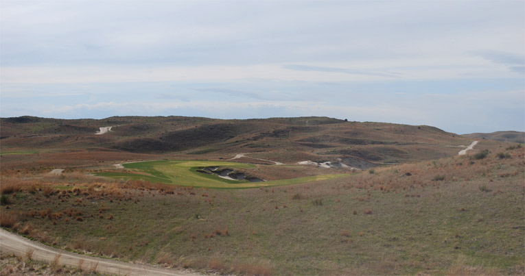 The 14th tee shot on the Nicklaus design.