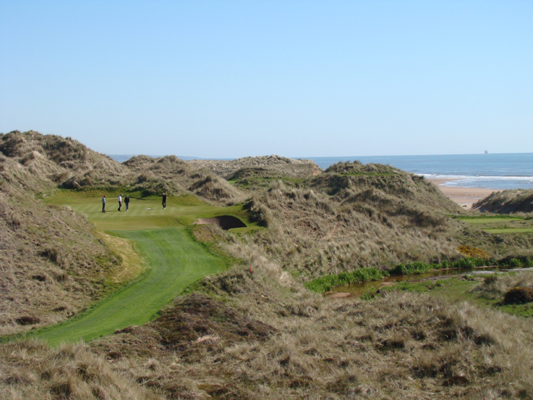 Played from dune top to dune top, this hole is the stuff of dreams. Like the third, only one bunker was required.