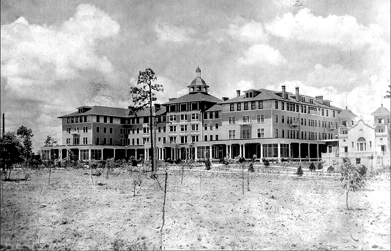 The Carolina - elegance transposed to the middle of the desolate wasteland which was Pinehurst. Courtesy of the Tufts Archives
