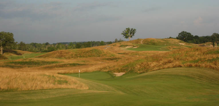 If the drive is over the hill, the approach from the left is blind, encouraging players to hug the right side.