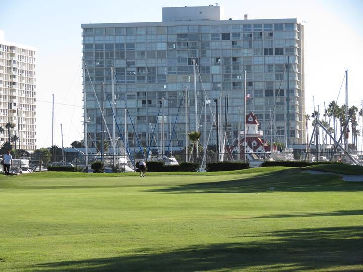 Wide open in front and backed by the idyllic Coronado Yacht Club, the fifteenth hole brings a fine set of one-shotters to a close.