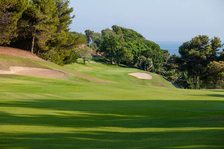 Río Real should reclaim lost green surfaces to gain interest on its greens. Pictured, the fantastic 8th.