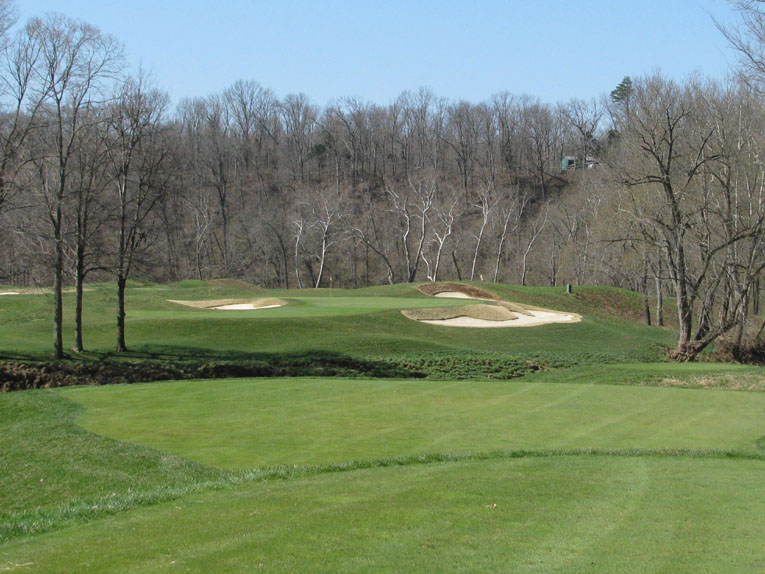 A view of the par 3 third