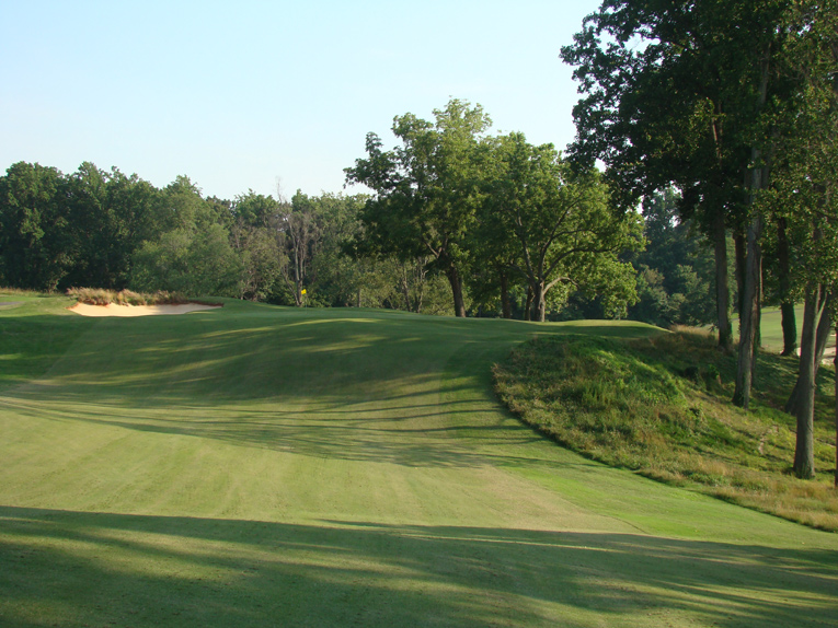 With natural green sites like this, Maxwell didn't have to create extraneous features for the hole to become an enduring challenge.