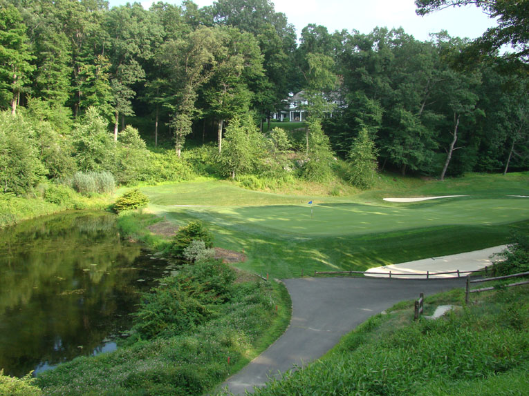 As one heads to the ninth tee and looks back, one appreciates the pretty pocket of property that Banks found in which to locate the 11,000 square foot green.