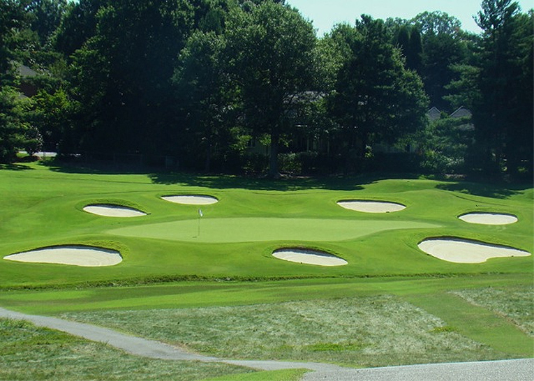 Yikes - here is a 2010 photograph of the second hole which bears little resemblance to a Maxwell hole.