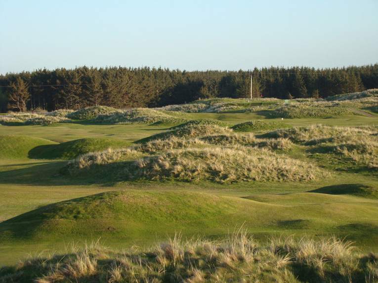 Braid worked on every type landscape imaginable throughout a career that brought golf to many people across the United Kingdom and Ireland. One of his best sites was the crumpled linksland at Fraserburgh in northeast Scotland.