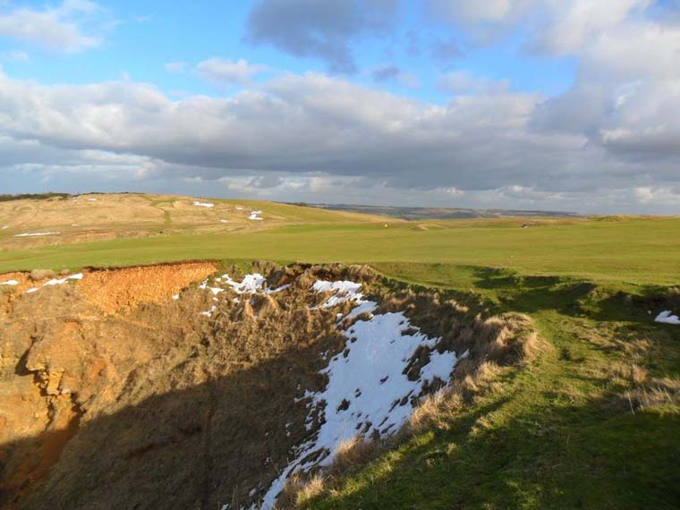 17th hole Cleeve Cloud 390 yards: A natural beauty.